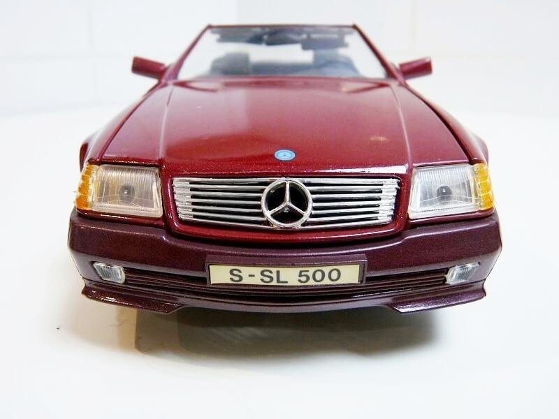 Mercedes SL 500 - 1989 - Maisto 1/18 ème Merced78