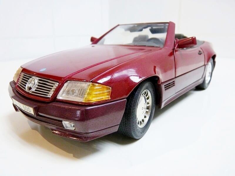 Mercedes SL 500 - 1989 - Maisto 1/18 ème Merced81