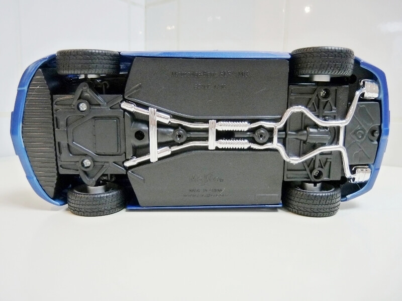 Mercedes SLS AMG GT 6.3 litres Final Edition - 2014 - Maisto 1/18 ème Merced87
