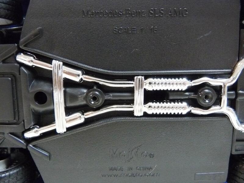 Mercedes SLS AMG GT 6.3 litres Final Edition - 2014 - Maisto 1/18 ème Merced89