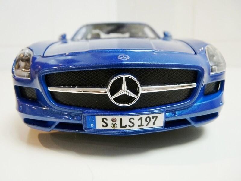 Mercedes SLS AMG GT 6.3 litres Final Edition - 2014 - Maisto 1/18 ème Merced91