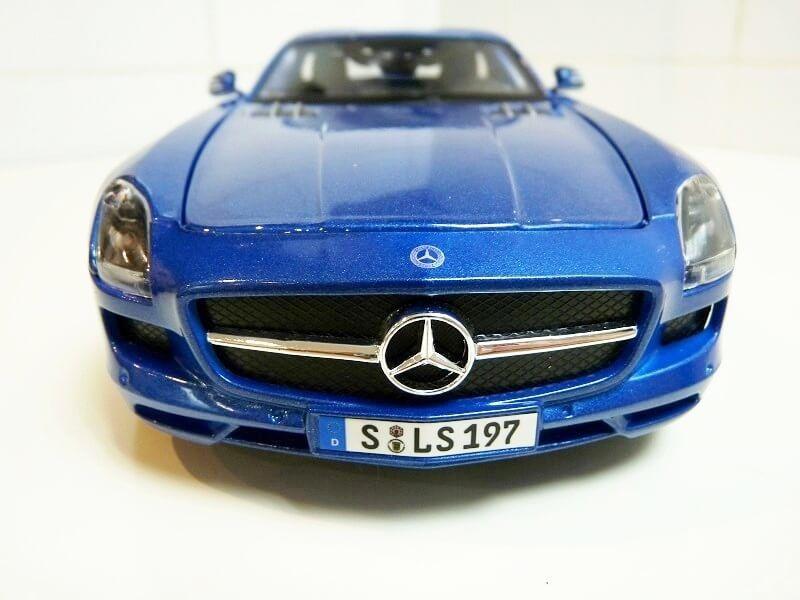 Mercedes SLS AMG GT 6.3 litres Final Edition - 2014 - Maisto 1/18 ème Merced92