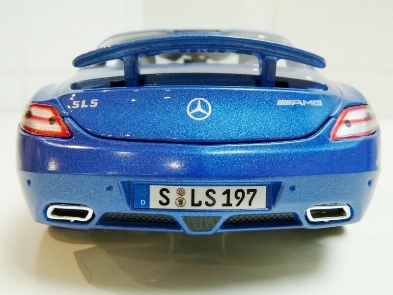 Mercedes SLS AMG GT 6.3 litres Final Edition - 2014 - Maisto 1/18 ème Merced96