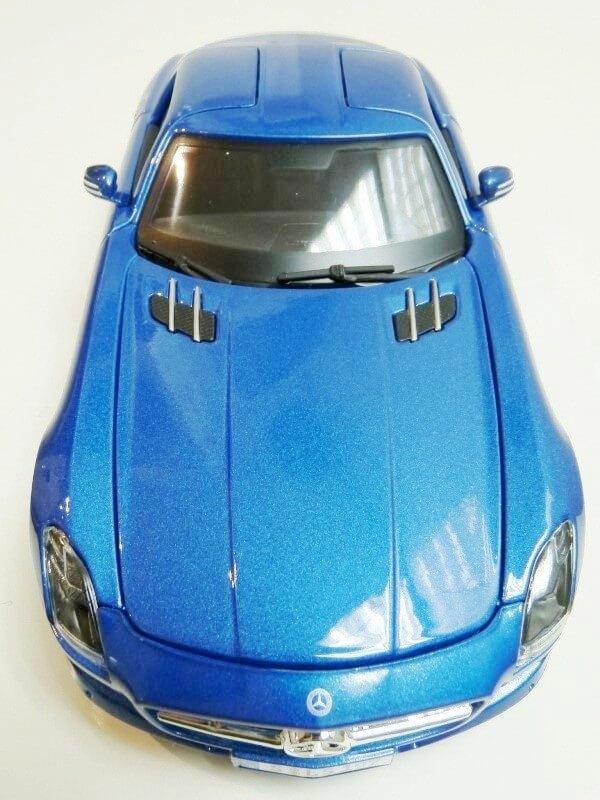 Mercedes SLS AMG GT 6.3 litres Final Edition - 2014 - Maisto 1/18 ème Merced98