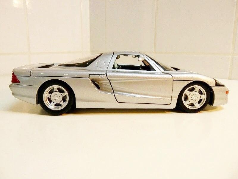 Mercedes Benz - C112 1991 - Guiloy 1/18 ème Merded12