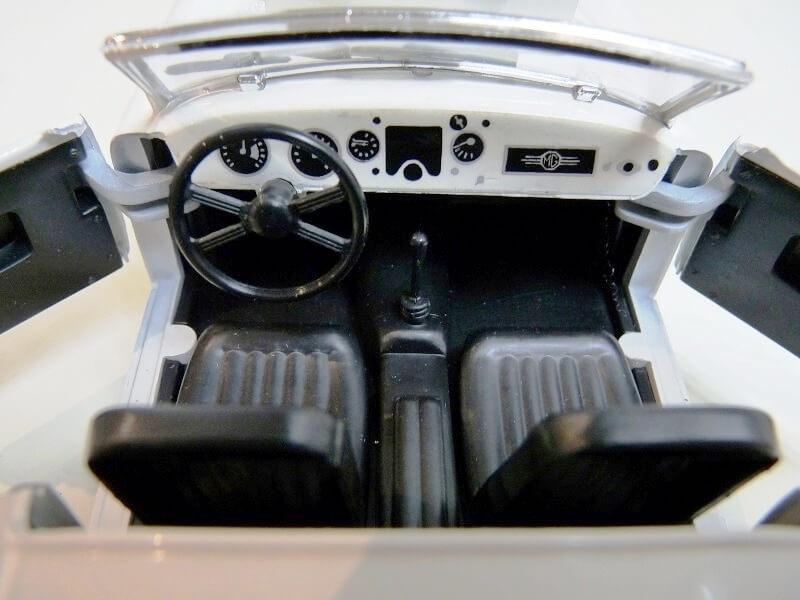 MG A Twin-Cam - 1959 - Tonka Polistil 1/16 ème Mgatc527