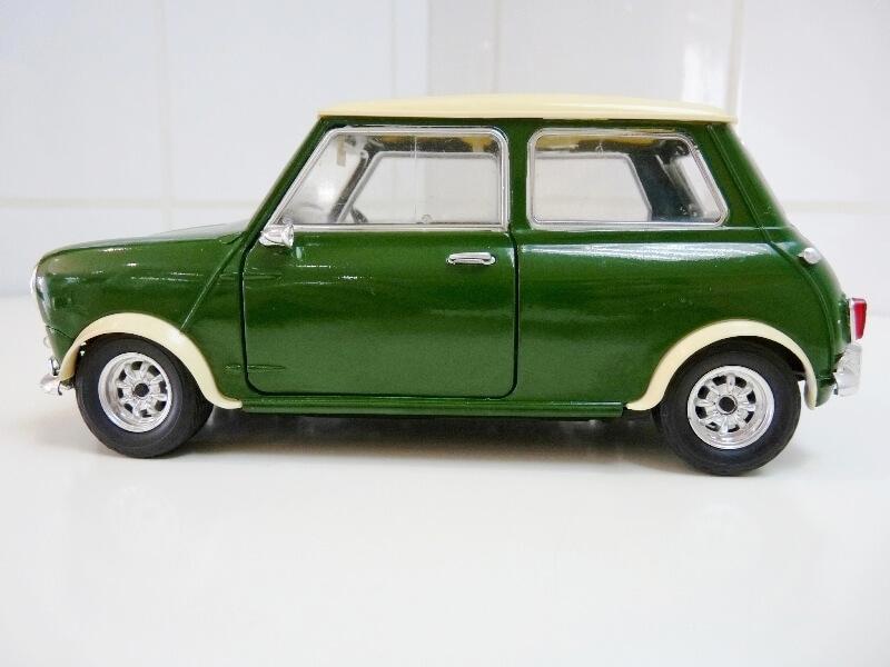 Mini Cooper S - 1964 - Solido 1/16 ème Mini_c12