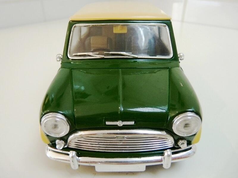 Mini Cooper S - 1964 - Solido 1/16 ème Mini_c15