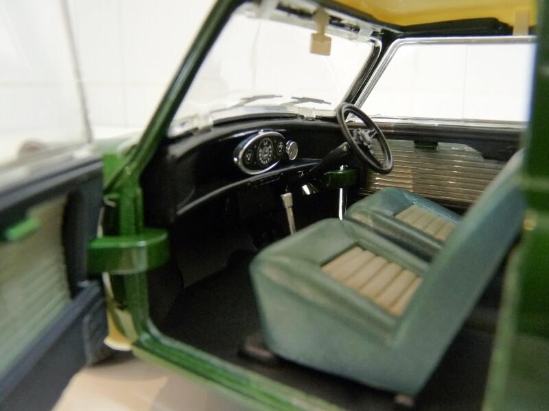 Mini Cooper S - 1964 - Solido 1/16 ème Mini_c18