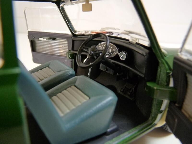 Mini Cooper S - 1964 - Solido 1/16 ème Mini_c23