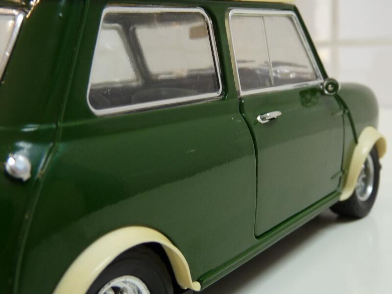 Mini Cooper S - 1964 - Solido 1/16 ème Mini_c26