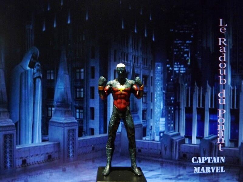 Captain Marvel - Figurine en plomb Mlcmav10