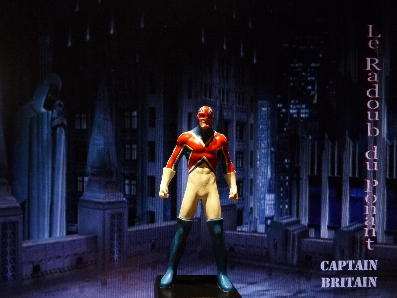 Captain Britain - Figurine en plomb Mlcptb10