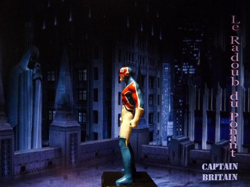 Captain Britain - Figurine en plomb Mlcptb15