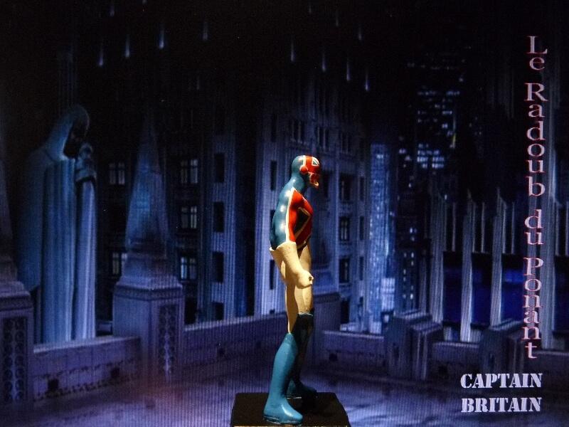 Captain Britain - Figurine en plomb Mlcptb17