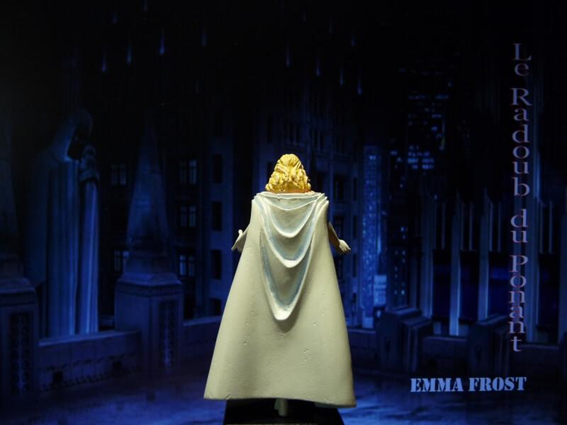 Emma Frost - Figurine en plomb Mlemft10
