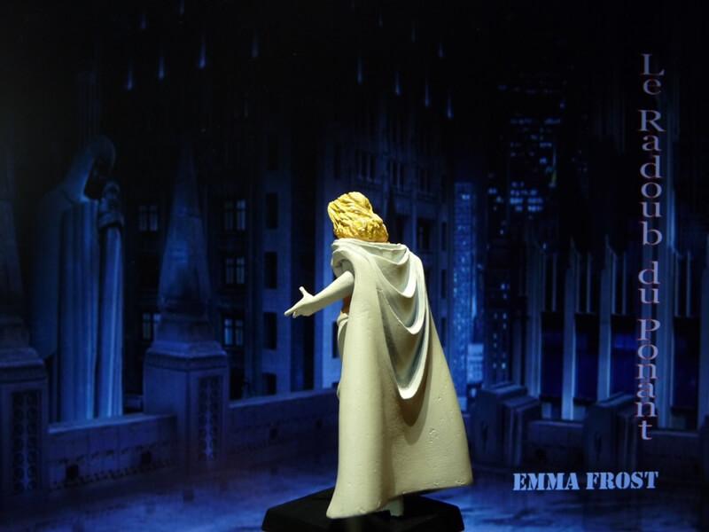 Emma Frost - Figurine en plomb Mlemft14
