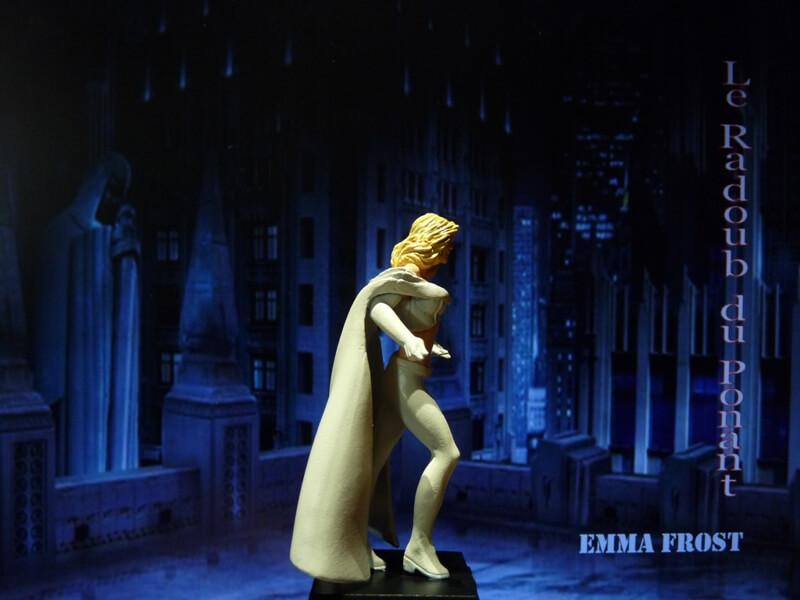 Emma Frost - Figurine en plomb Mlemft16