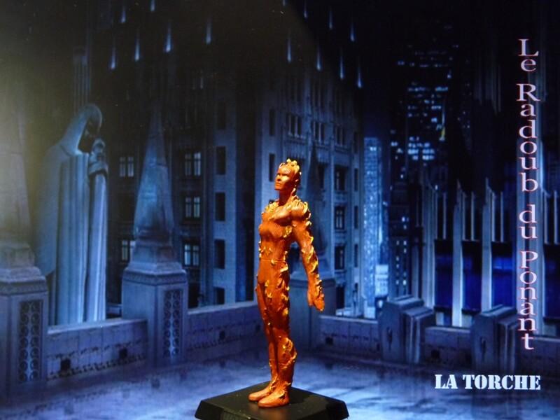 La Torche - Figurine en plomb Mllte210