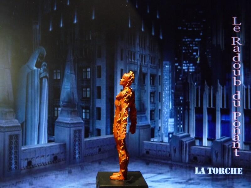 La Torche - Figurine en plomb Mllte310