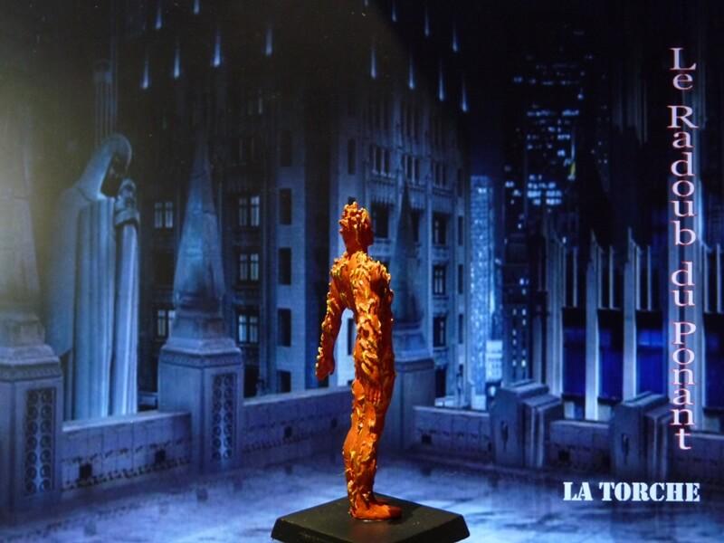 La Torche - Figurine en plomb Mllte610