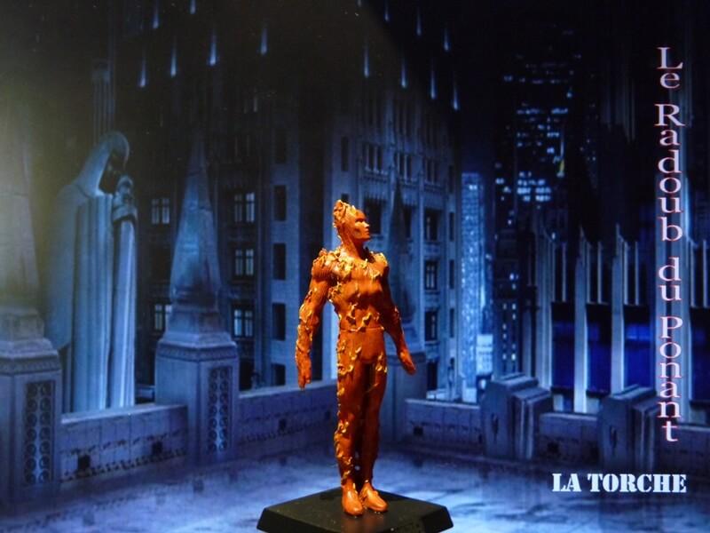 La Torche - Figurine en plomb Mllte810