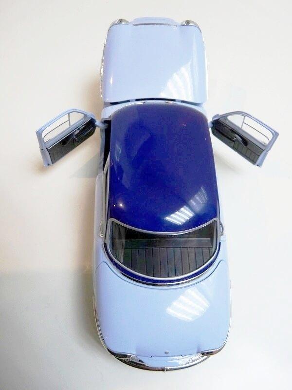 Panhard PL17 Berline - 1961 - Solido 1/18 ème Panhar11