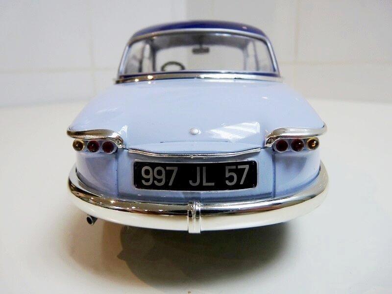 Panhard PL17 Berline - 1961 - Solido 1/18 ème Panhar12