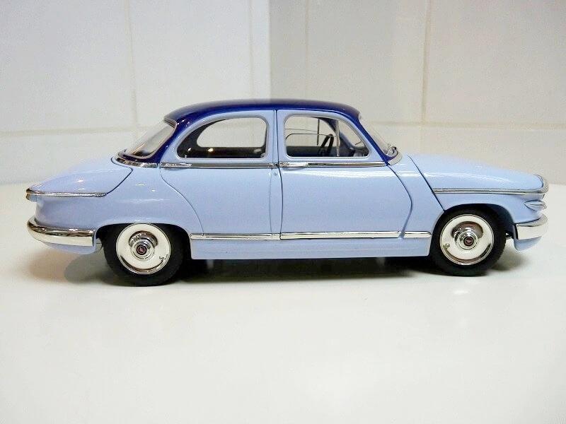 Panhard PL17 Berline - 1961 - Solido 1/18 ème Panhar13