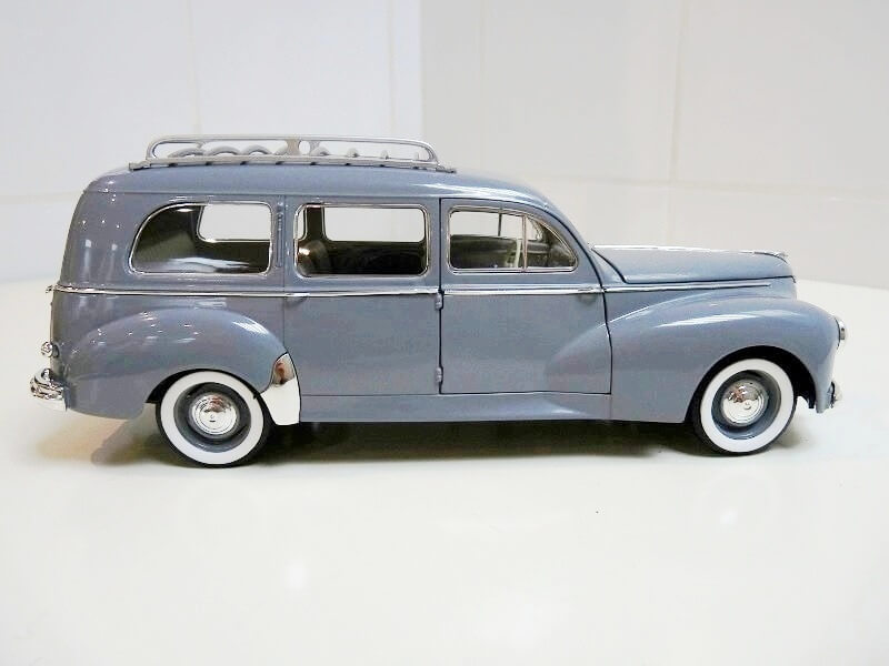 Peugeot 203 Limousine Familiale - 1950 - Solido 1/18 ème Peugeo29