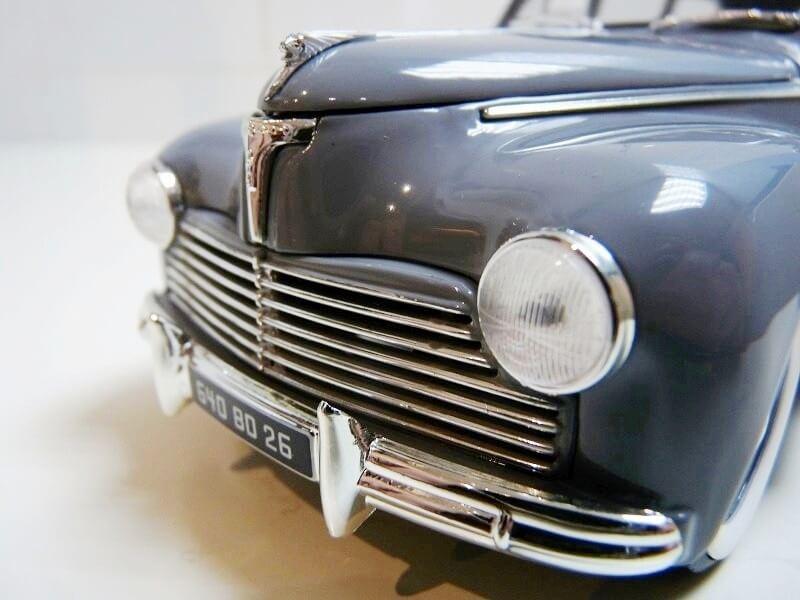 Peugeot 203 Limousine Familiale - 1950 - Solido 1/18 ème Peugeo32