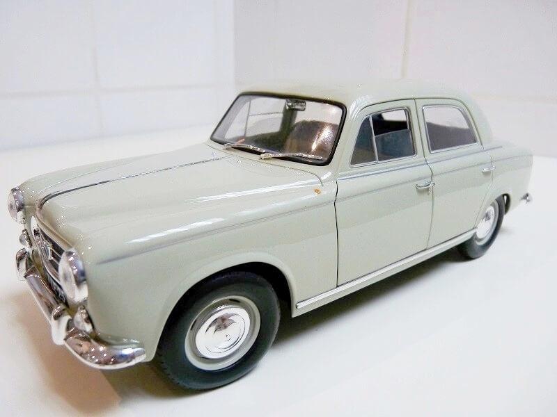 Peugeot 403 - 1959 - Solido 1/18 ème Peugeo40