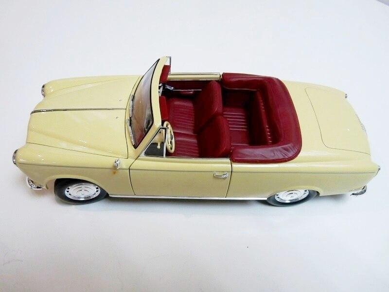 Peugeot 403 Cabriolet Grand Luxe 8ch - 1959 - Solido 1/18 ème Peugeo42