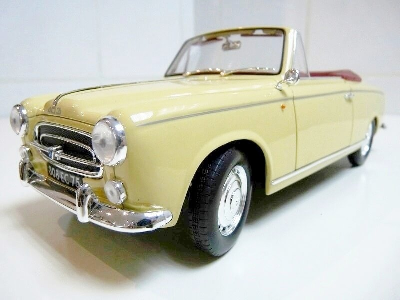 Peugeot 403 Cabriolet Grand Luxe 8ch - 1959 - Solido 1/18 ème Peugeo45