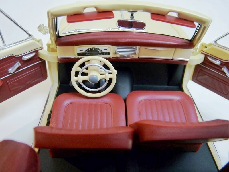 Peugeot 403 Cabriolet Grand Luxe 8ch - 1959 - Solido 1/18 ème Peugeo48