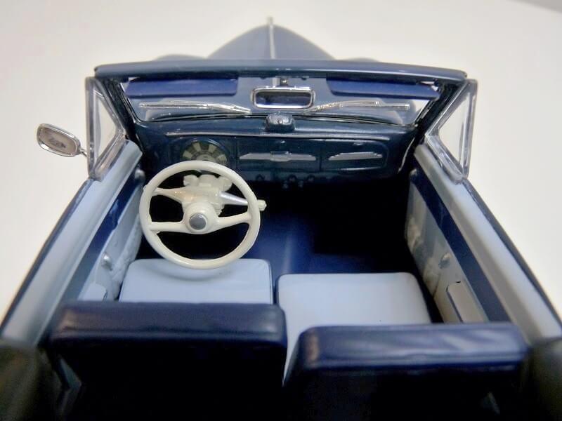 Peugeot 203 Cabriolet - 1964 - Solido 1/18 ème Peugeo51