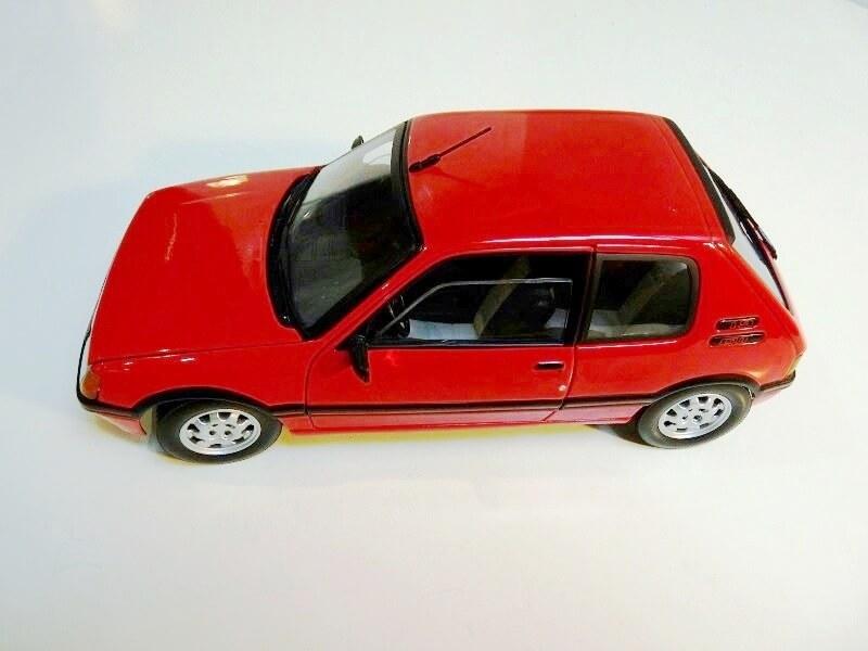 Peugeot 205 GTI 1.9 - 1986 - Solido 1/18 ème Peugeo58