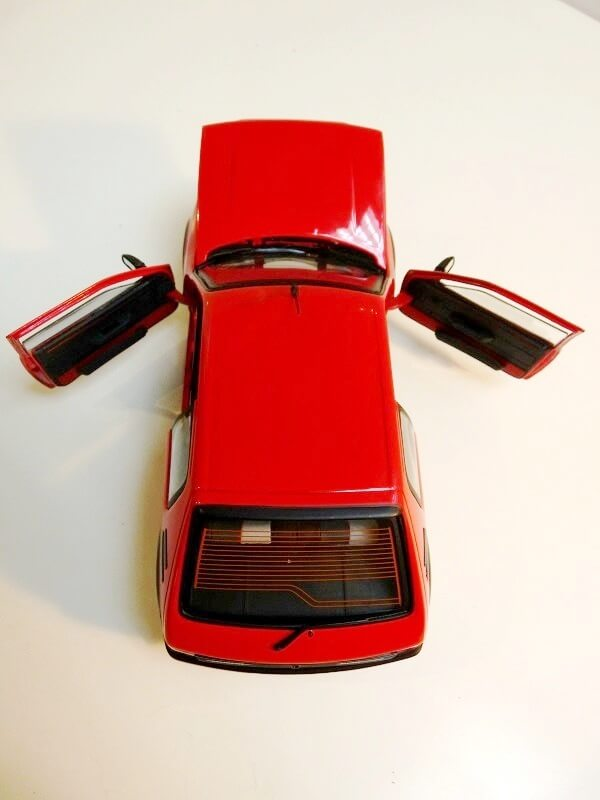 Peugeot 205 GTI 1.9 - 1986 - Solido 1/18 ème Peugeo59