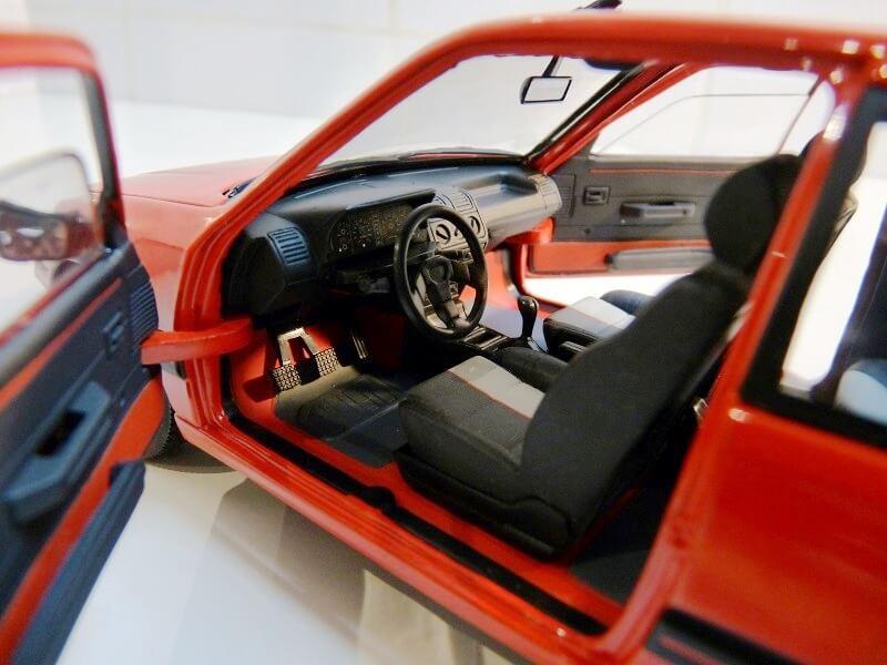 Peugeot 205 GTI 1.9 - 1986 - Solido 1/18 ème Peugeo61