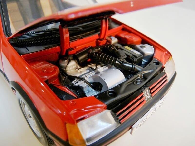 Peugeot 205 GTI 1.9 - 1986 - Solido 1/18 ème Peugeo64