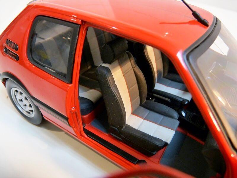 Peugeot 205 GTI 1.9 - 1986 - Solido 1/18 ème Peugeo66