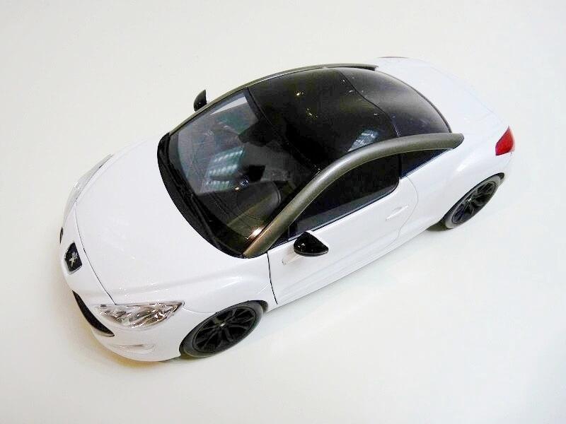 Peugeot RCZ - 2009 - Norev 1/18 ème Peugeo88