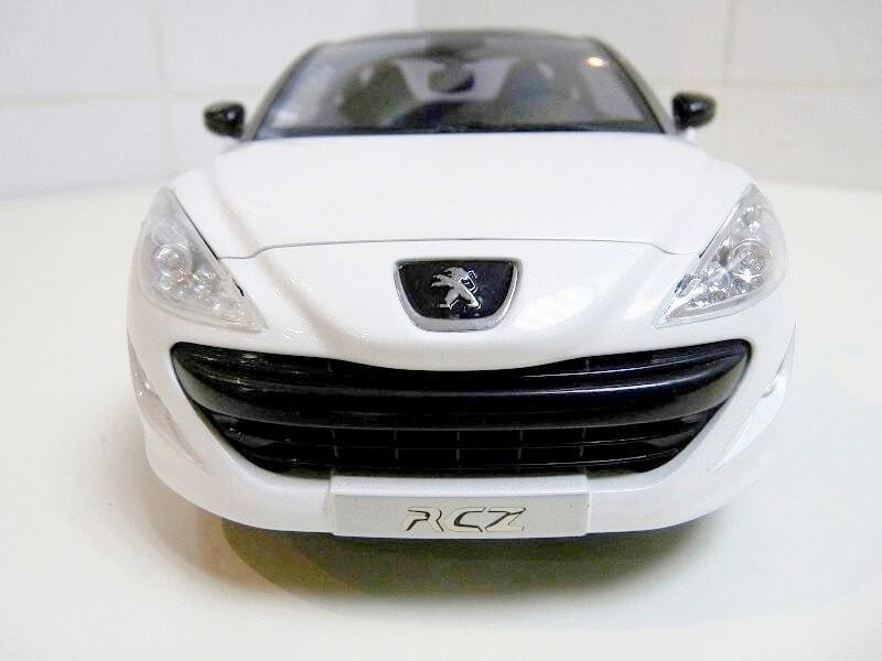 Peugeot RCZ - 2009 - Norev 1/18 ème Peugeo89