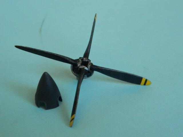 Pilatus PC-6/B2-H4 -. Roden 1/48 - Par fombec6 - Fini. - Page 2 Pl02710
