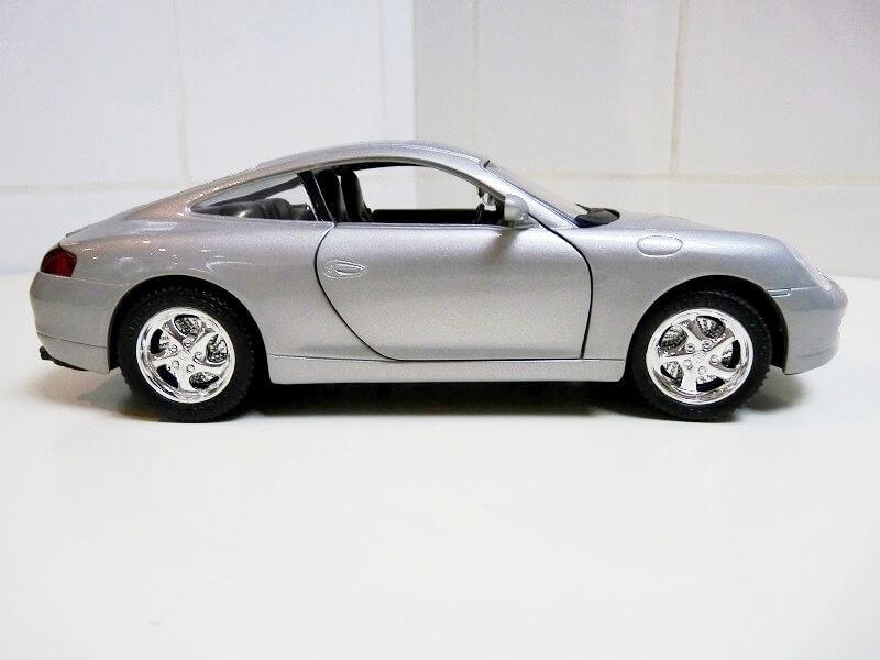 Porsche 911 Carrera Coupé - 1998 - Solido 1/18 ème Porsc100