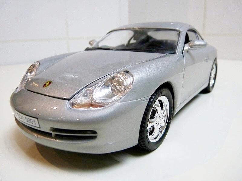 Porsche 911 Carrera Coupé - 1998 - Solido 1/18 ème Porsc101