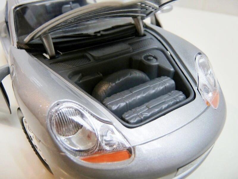 Porsche 911 Carrera Coupé - 1998 - Solido 1/18 ème Porsc107