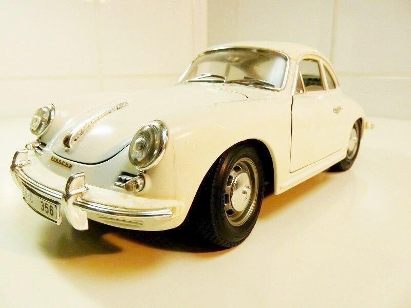 Porsche 356 B - 1961 - BBurago 1/18 ème Porsch10