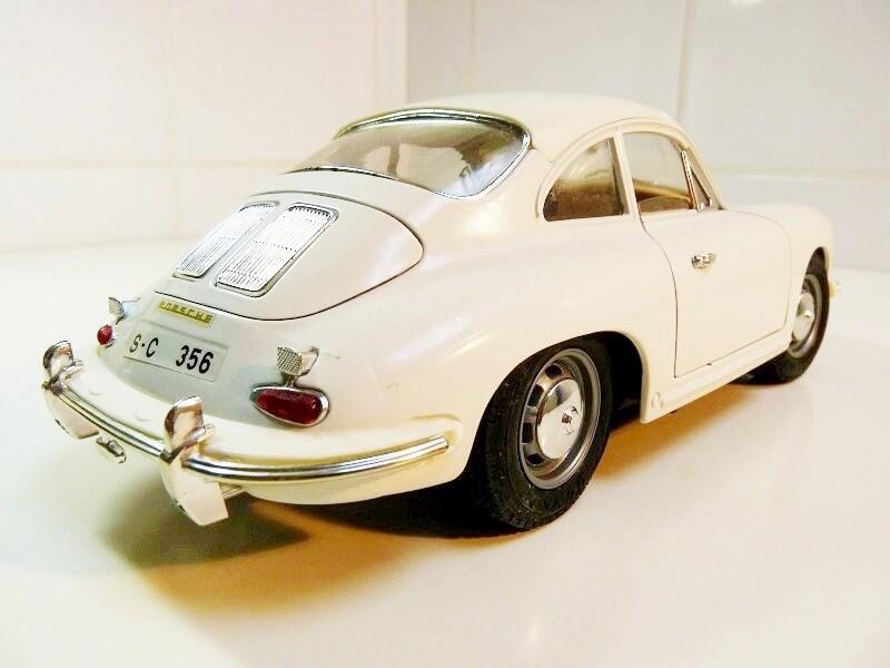 Porsche 356 B - 1961 - BBurago 1/18 ème Porsch15