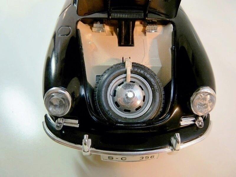 Porsche 356 S Cabriolet - 1961 - BBurago 1/18 ème  Porsch23